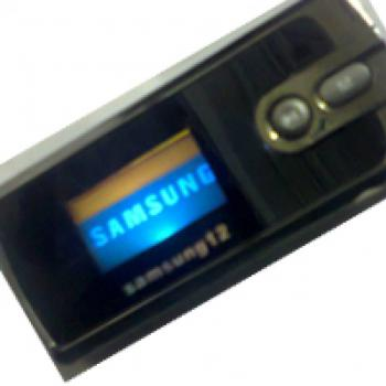 Samsung Mp3 PLayer Builtin 4GB Stero Ultra Bass So