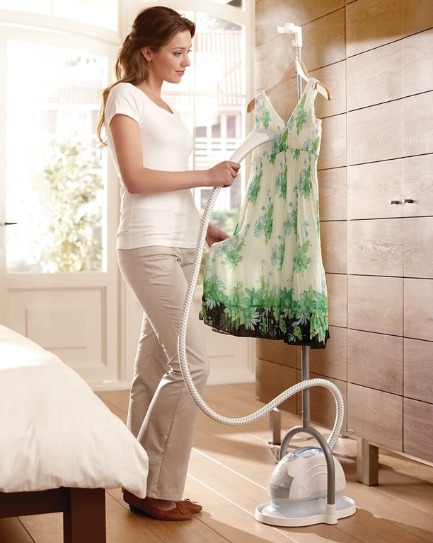 Philips Garment Steamer GC52