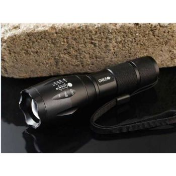Exclusive Quality 2000 Lumens Zoomable LED Flashli