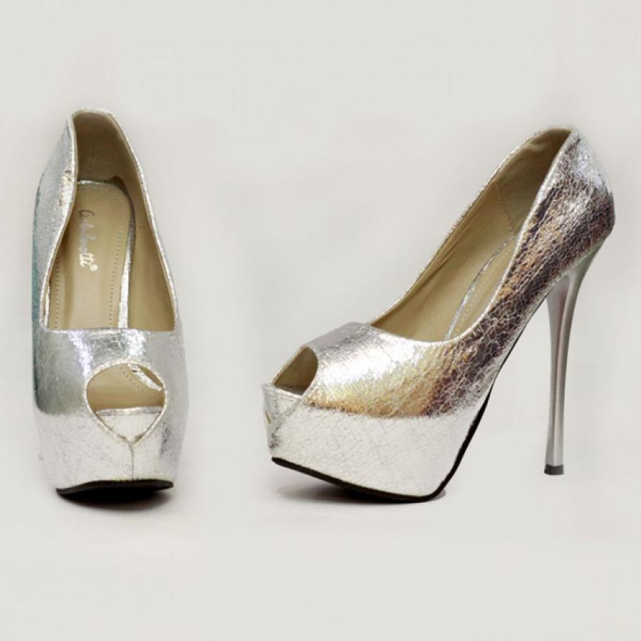 Beautiful Shoe Brands Which Showcase High Heels Are Increasingly Popular Amongst The Masses Because Of Their Designs And Style Which Amplifies The Individuals Height According To Their Preference There Are A Number Of Top Shoes Brands In