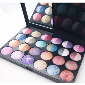 Lakme Valvet Look In A Box 24 Colour Eye Shadow