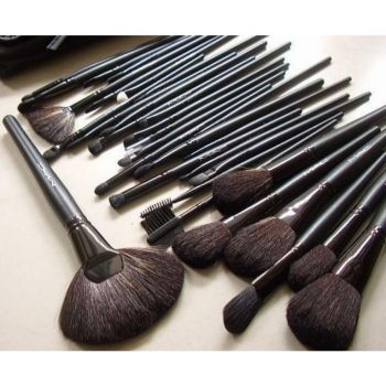 Mac 32 Pcs Brush Set With Black Makeup Brushes Pou