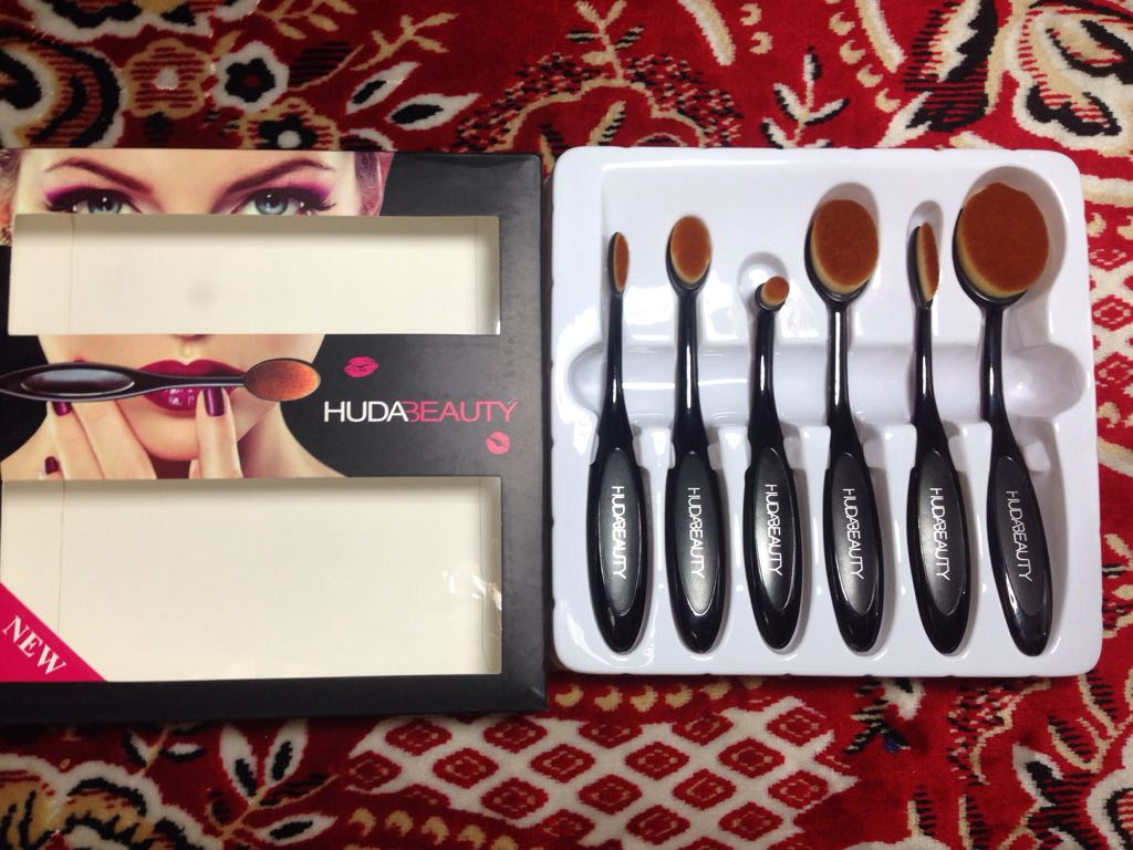Huda Beauty 6 Pcs Brush Set
