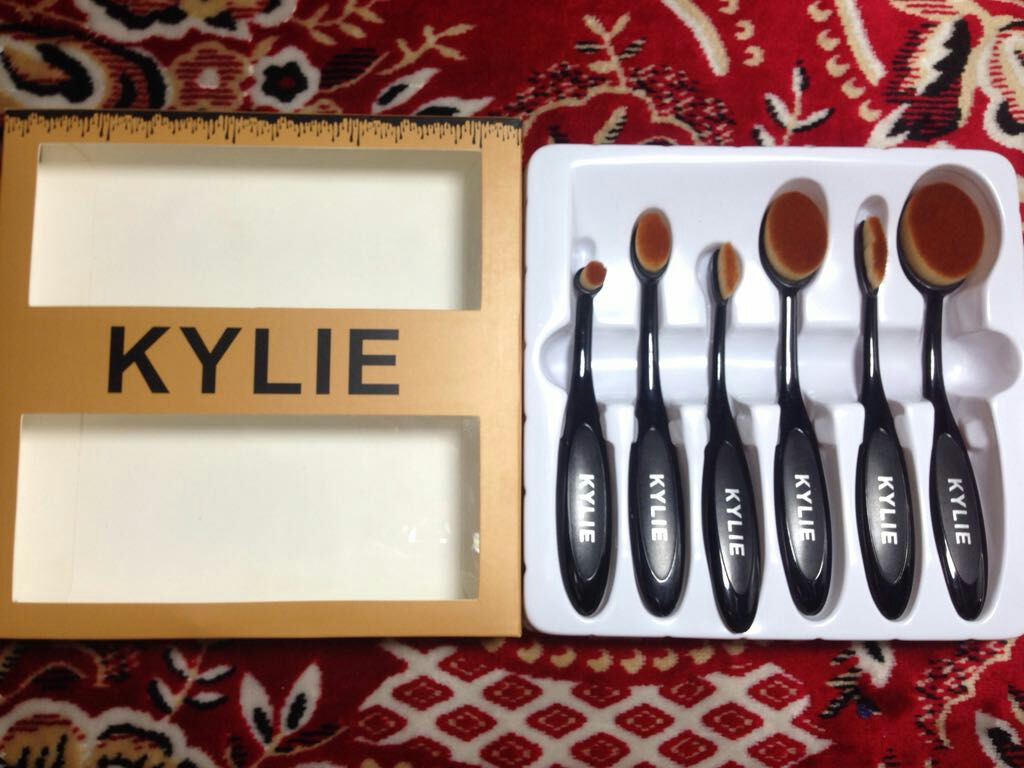 Kylie 6 pcs Brush set