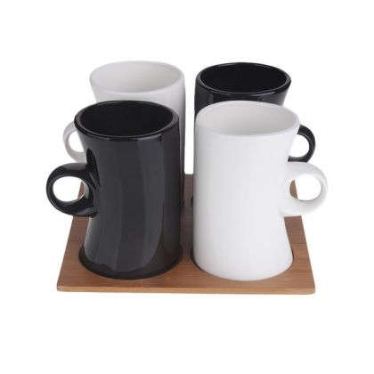 Set of 4 Coffee Cups Black & White